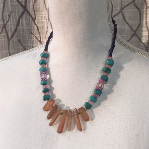 Jewelry - Statement necklace with glass geode
